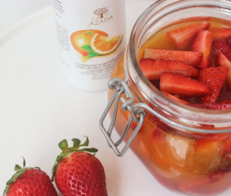 Fresas escabechadas al agua de azahar