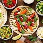 Tacos veganos al horno con salsa de mole y aceite Azada